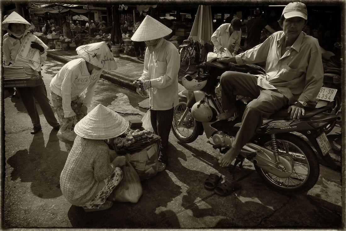 Saigon market place© Roger Garwood 2013