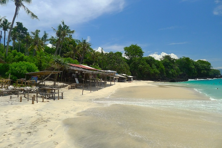 White Beach. Tarzan and Jane would have loved it. Especially with an ice cold coke. © Roger Garwood 2013